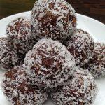 [סרטון]כדורי שוקולד חלבון בטעם קוקוס ללא סוכר